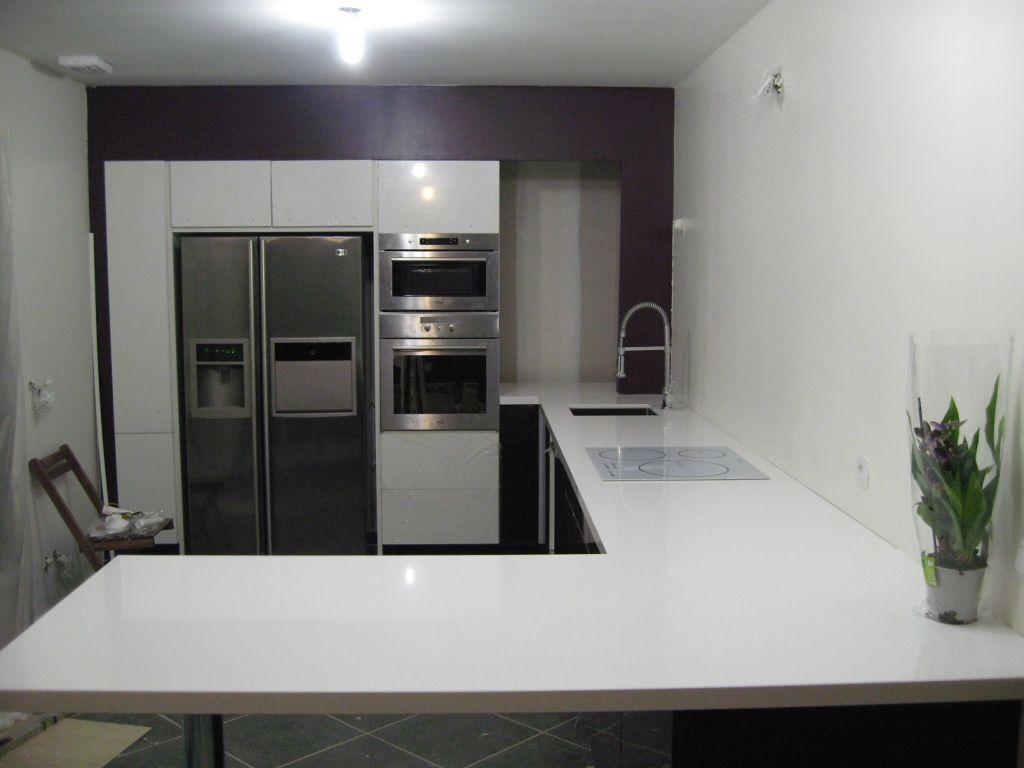 chantier du we coffrage cuisine et enduit cuisine pos e et plan de travail quartz pos de. Black Bedroom Furniture Sets. Home Design Ideas
