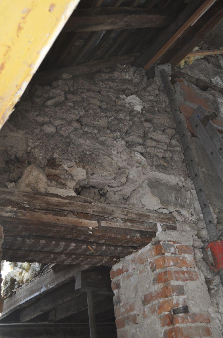 ouverture du mur porteur en action pendant que certains frappe d 39 autre creuse c 39 est beau. Black Bedroom Furniture Sets. Home Design Ideas