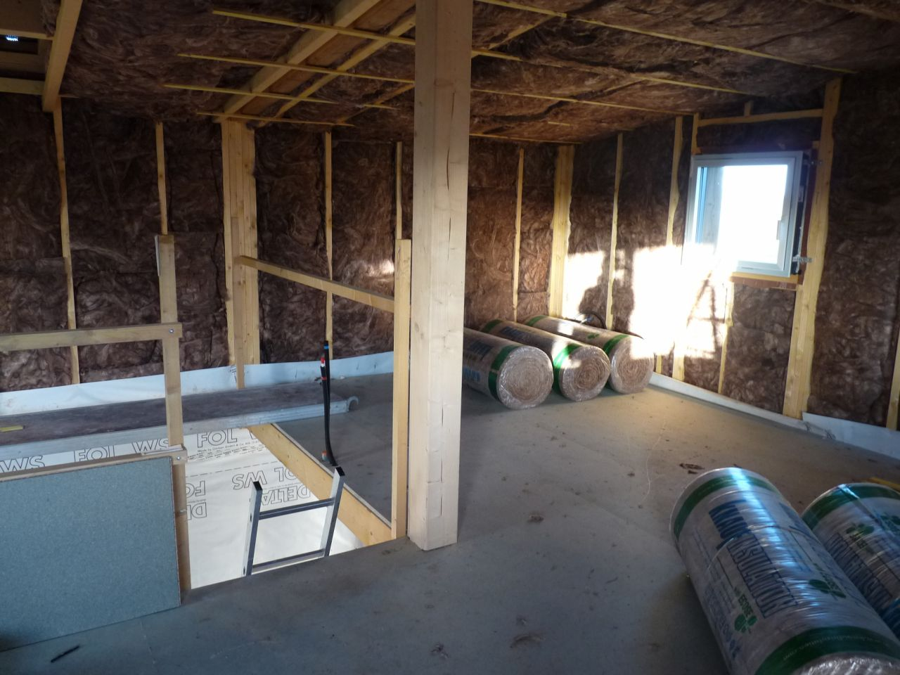 Isolant knauf 150mm 60mm dans les murs et 240mm 80mm au plafond