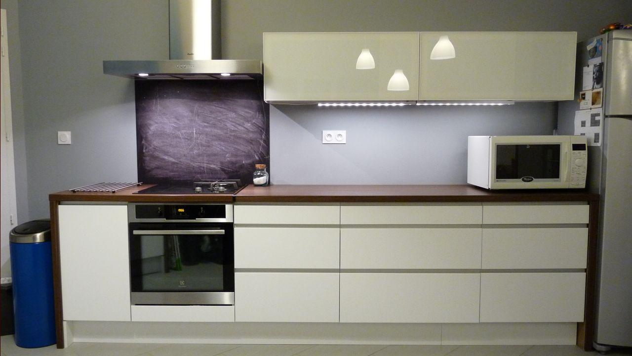cr dence fond de hotte d corative 4 messages. Black Bedroom Furniture Sets. Home Design Ideas