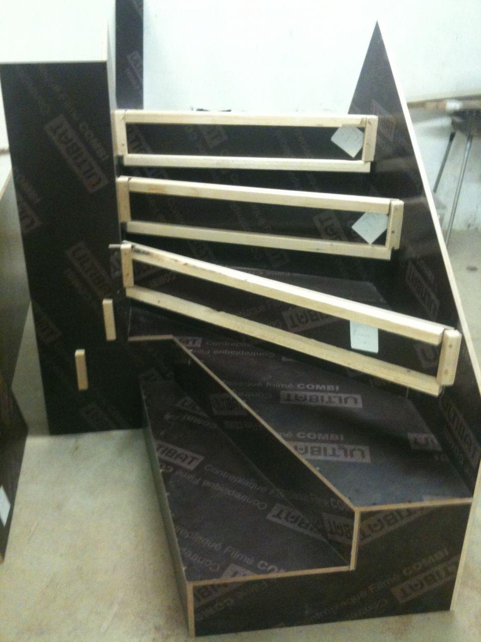 d pose et repose d 39 un escalier b ton 9 messages. Black Bedroom Furniture Sets. Home Design Ideas