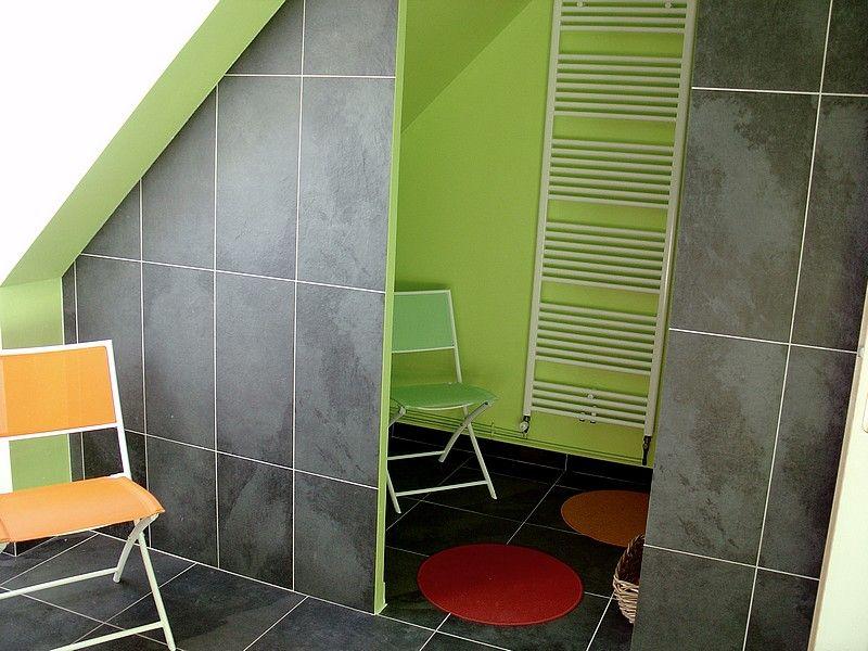 couleur de ma salle de bain ( carrelage , peinture ) - 16 messages - Carrelage Vert Salle De Bain