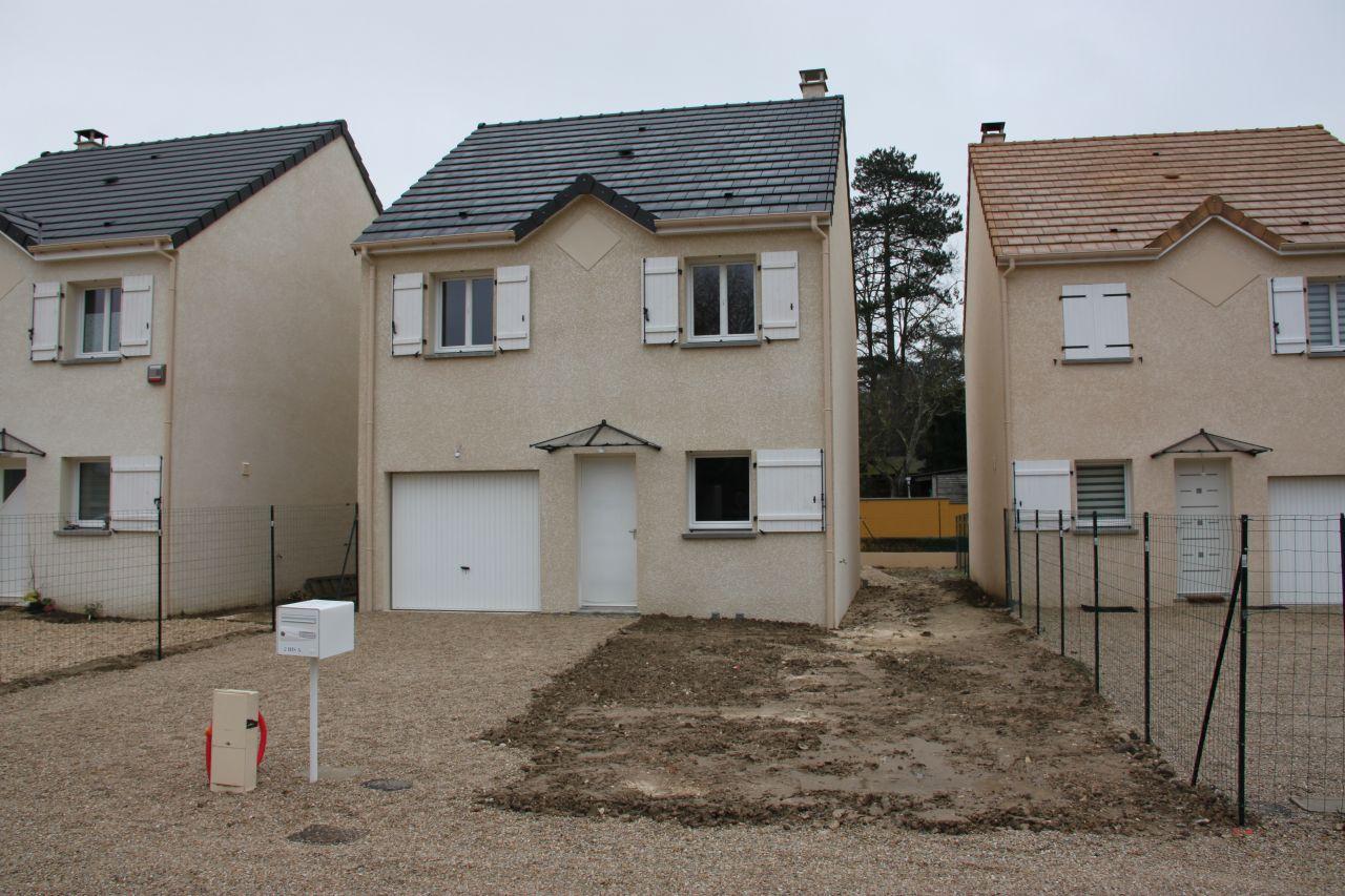 Facade est - Vulaines Sur Seine (Seine Et Marne - 77) - janvier 2014