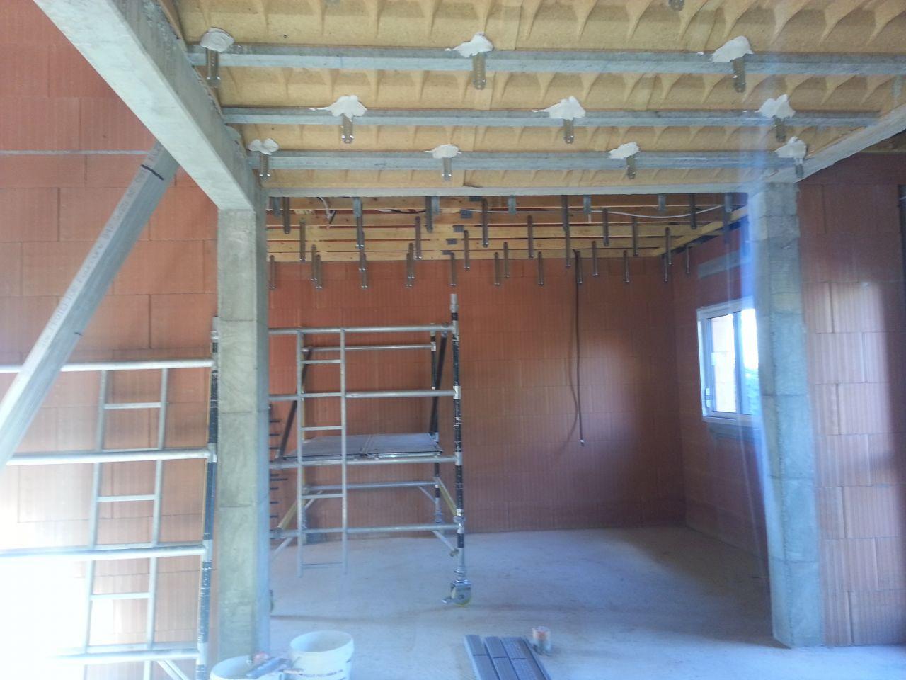 photo suspensions pour pose plafond isolation haute garonne 31. Black Bedroom Furniture Sets. Home Design Ideas
