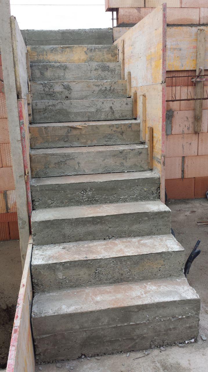 Escalier Béton du RDC au 1° palier