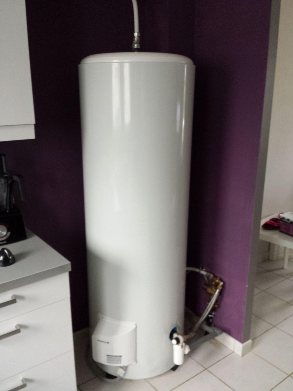 Aide creation placard pour cacher chauffe eau 22 messages - Comment cacher un chauffe eau ...