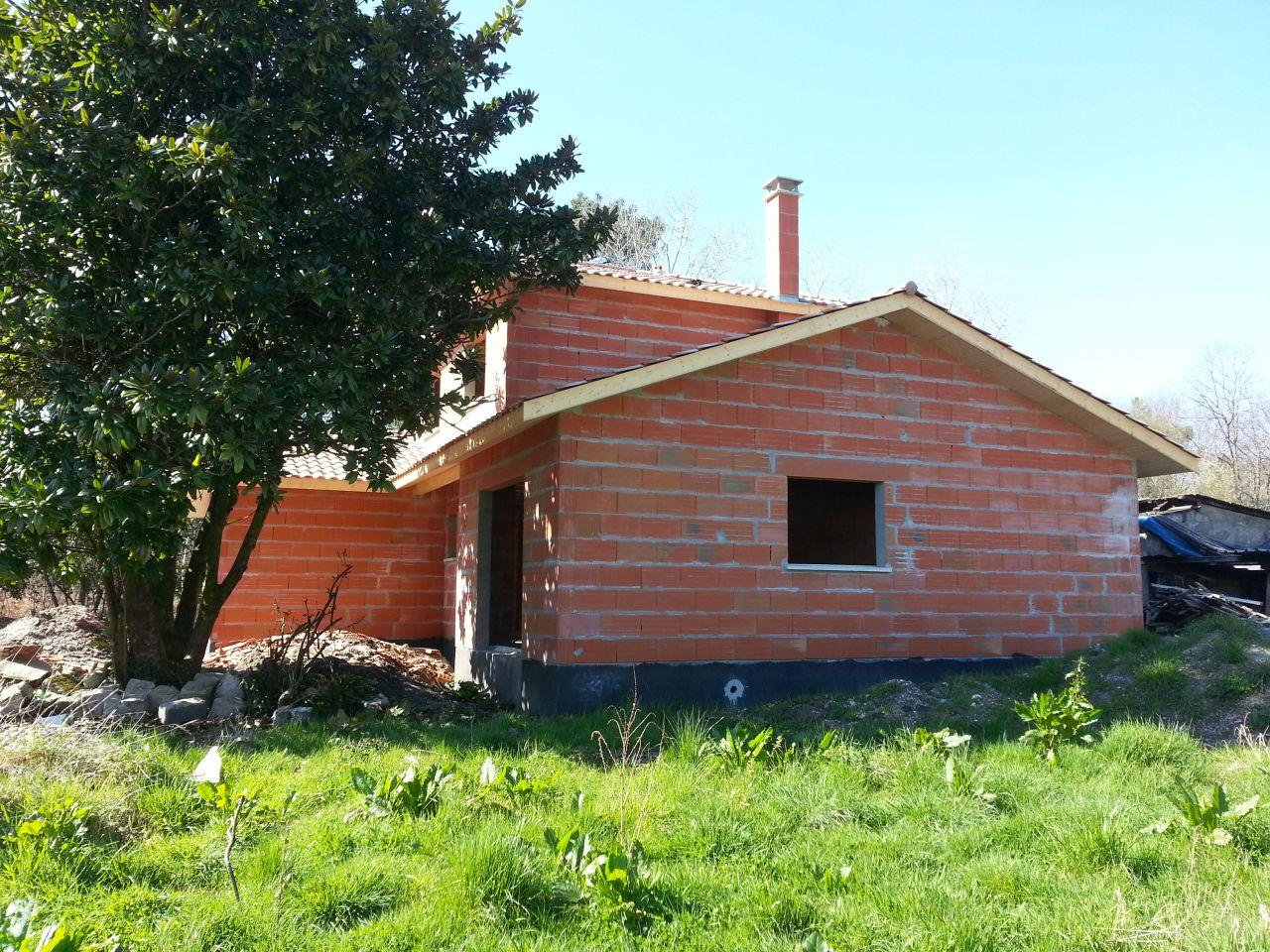 Lambris sur avant toit queue de vache arriv e et pose for Lambris pvc avant toit