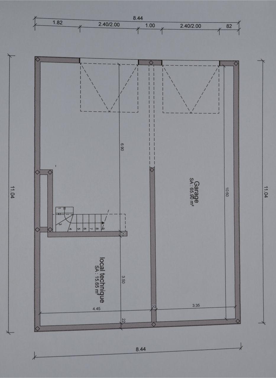 """Plan du sous sol mais avec les portes de garage inversées, elles seront placés côté """"local technique"""""""