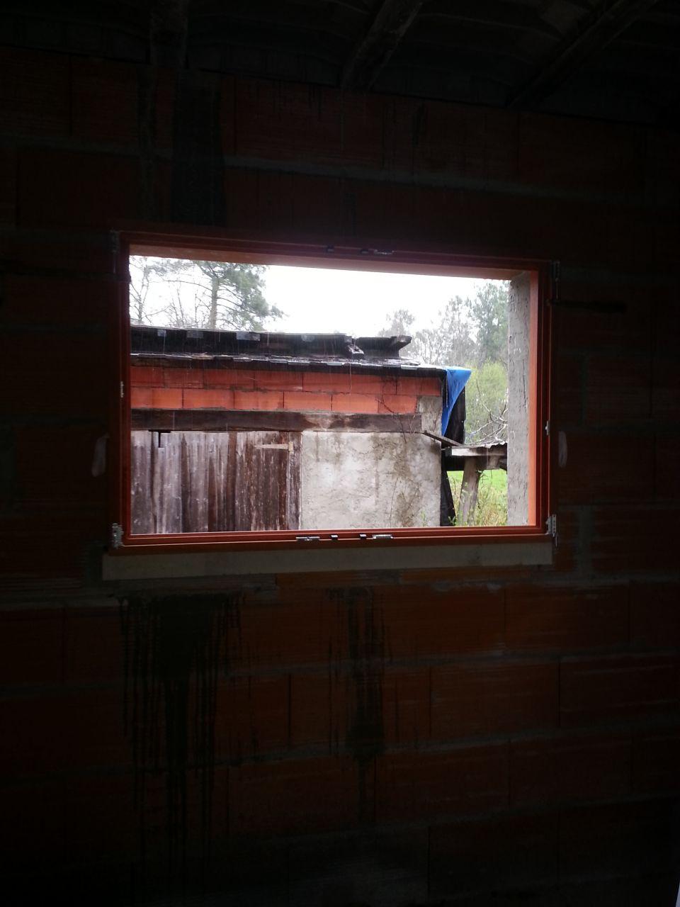 Lambris sur avant toit queue de vache arriv e et pose for Calfeutrage fenetre prix