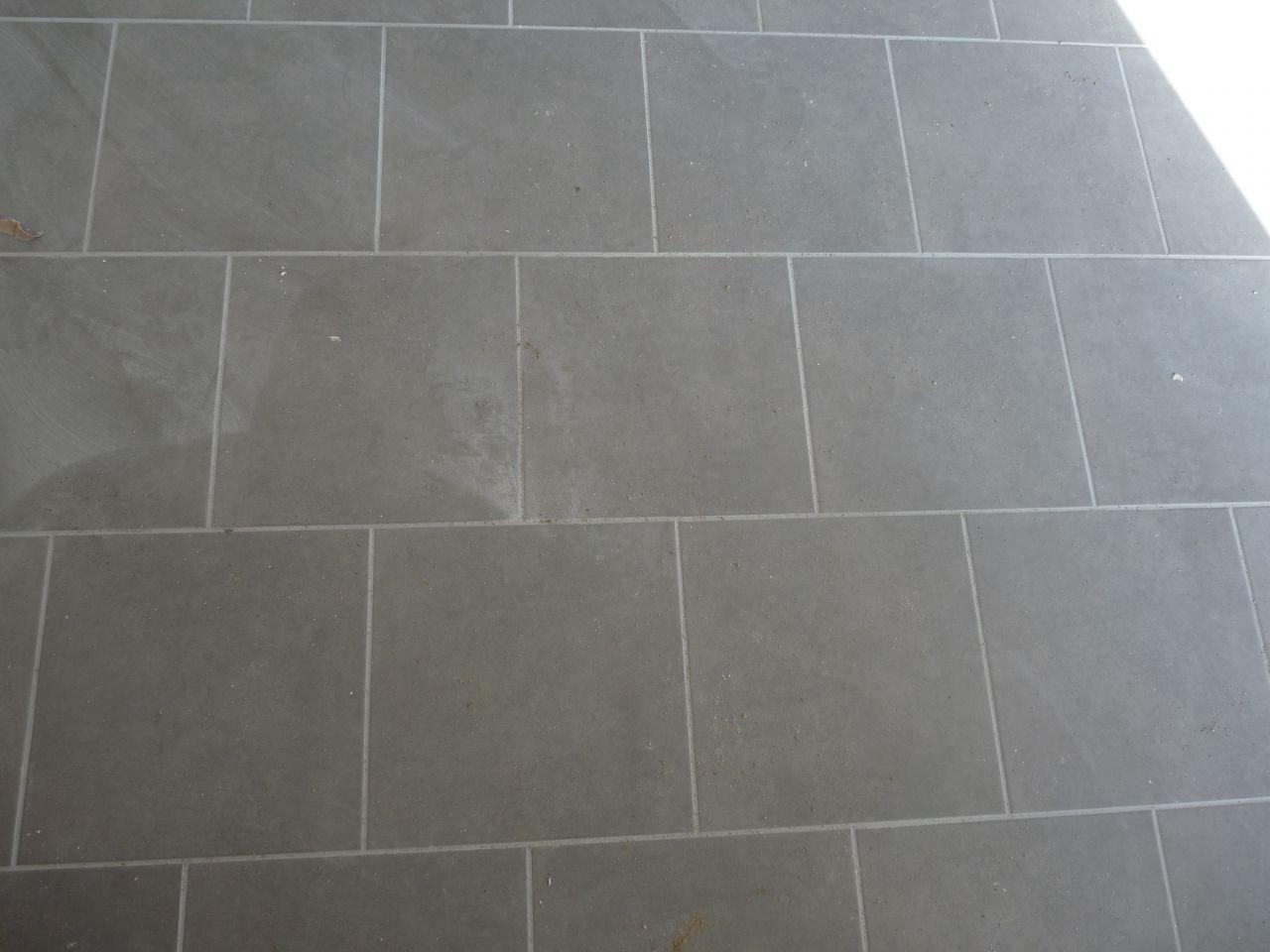 Carrelage et bandes plomberie terrassement erdf for Carrelage loiret