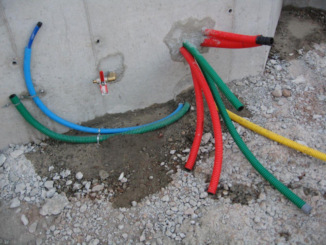 Les réseaux sec et l'arrivée d'eau potable à l'interieur