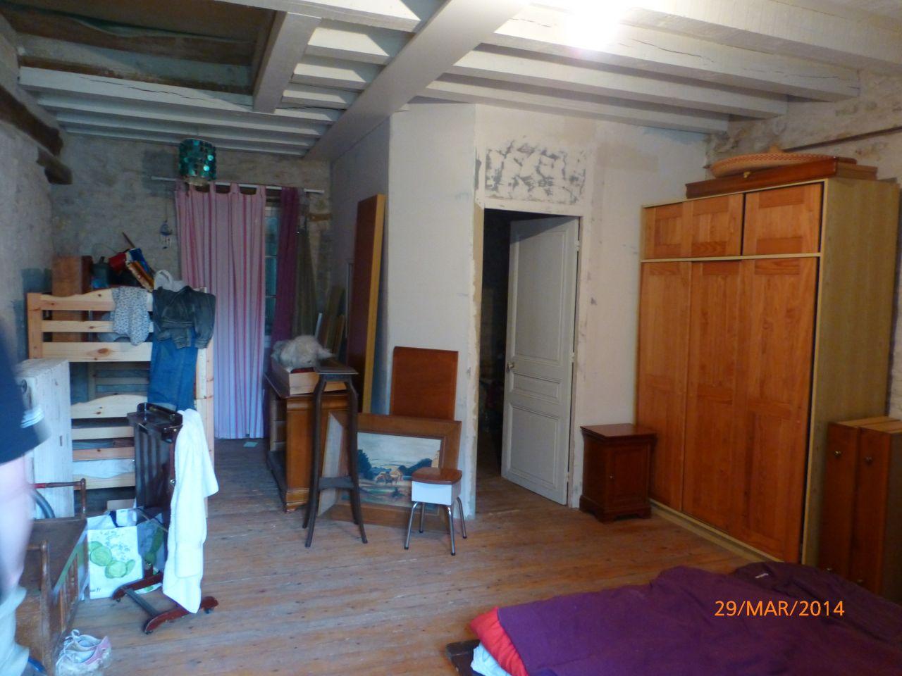 pièce 2/2 maison d'habitation (chambre/sdb)