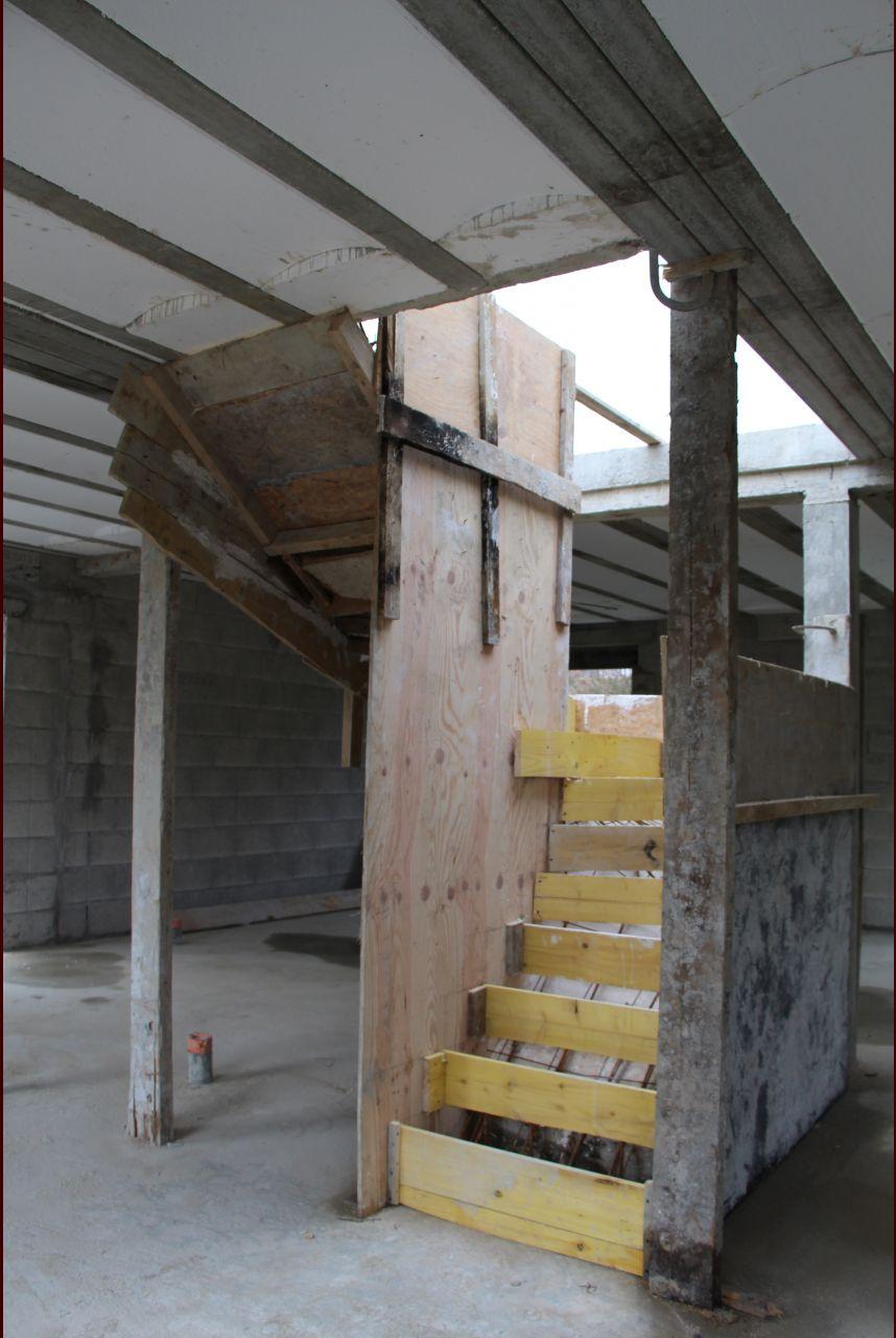Coffrage de l'escalier béton.
