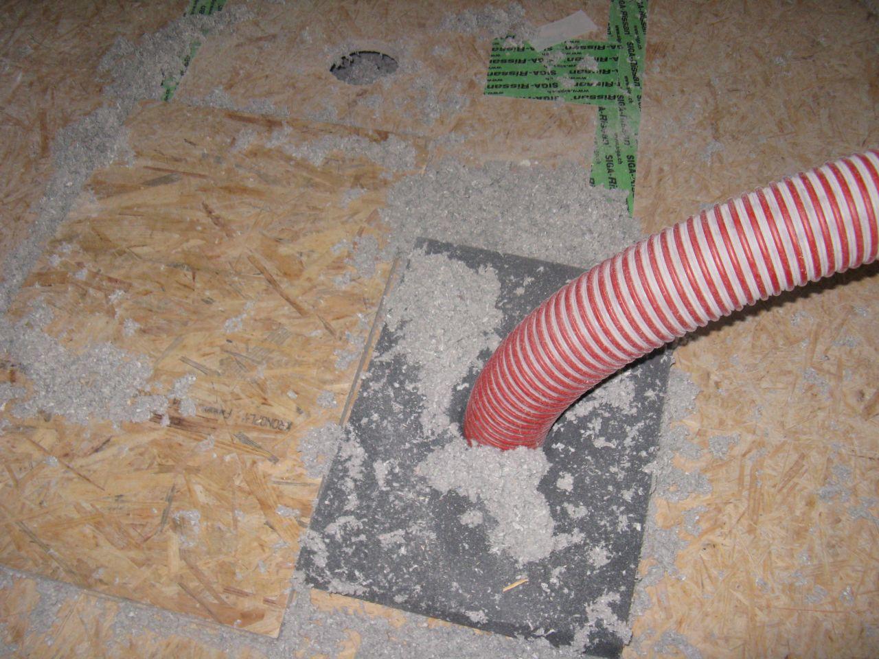 insufflation d'isolation dans le plancher
