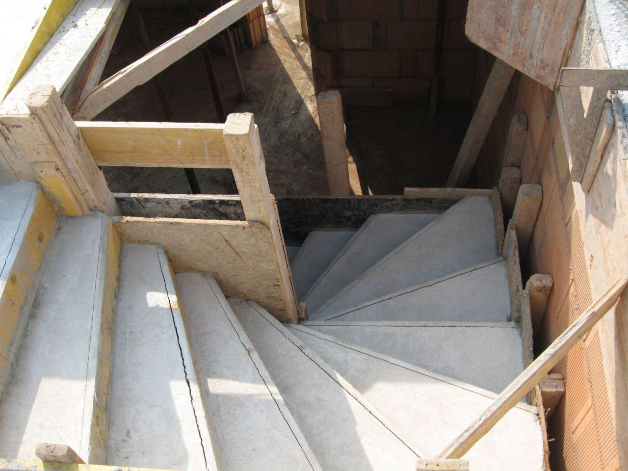L'escalier vers l'étage (vue de haut)