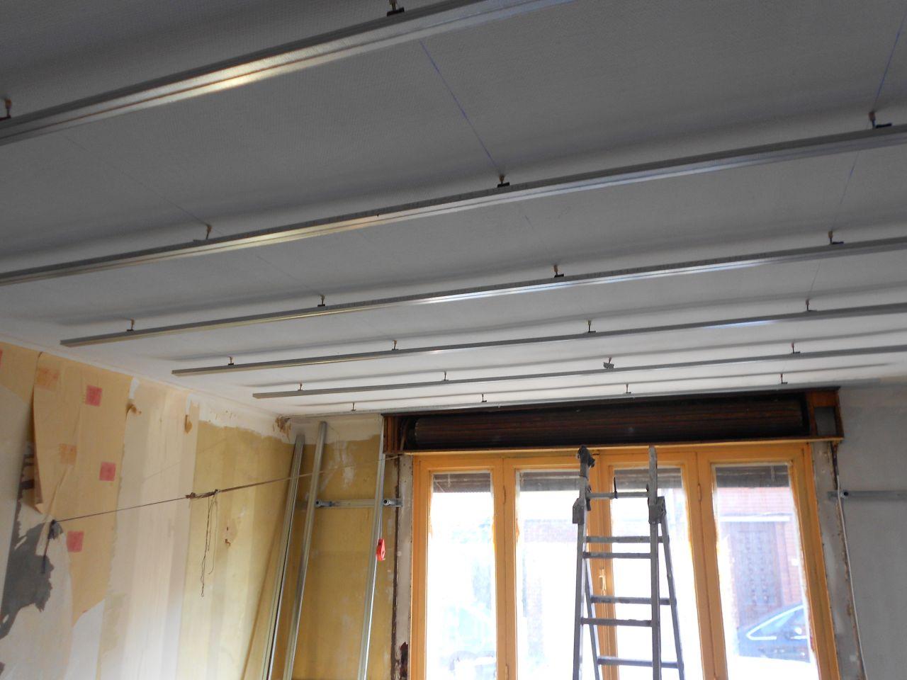 ossature faux plafond salon