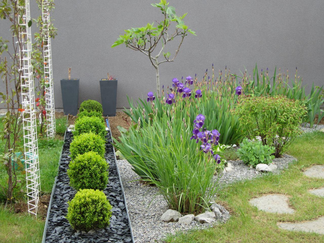 Déco générale du jardin - Cote D'or (21) - mai 2014 - Photo #989241 par Douzou