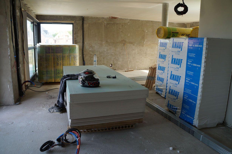 Platrerie et isolation en cours