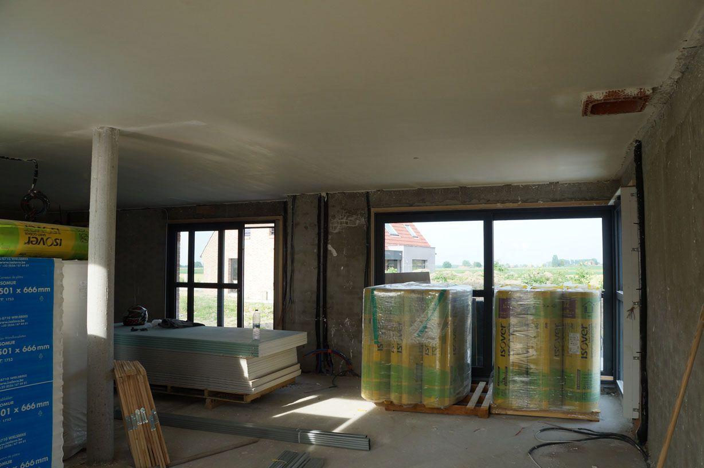 Plâtre projeté au plafond