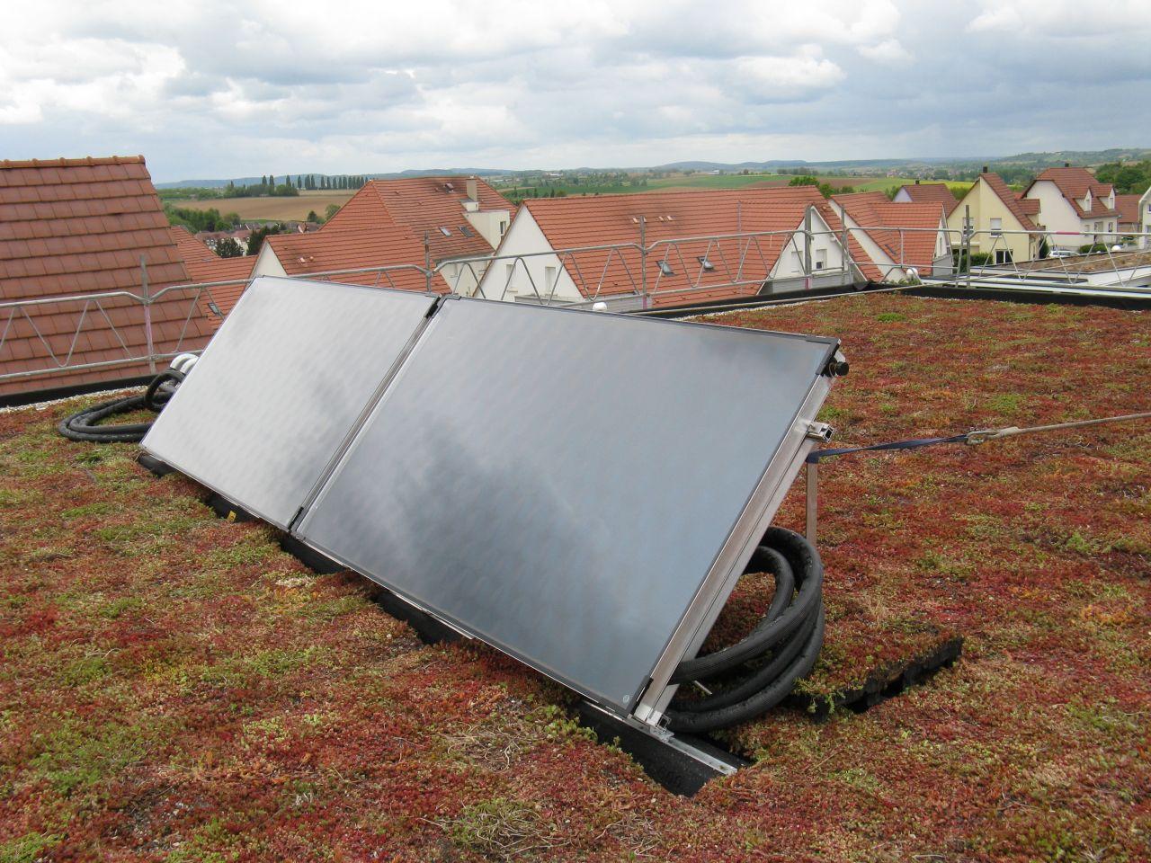Les panneaux solaires pour eau chaude sanitaire, sur la toiture