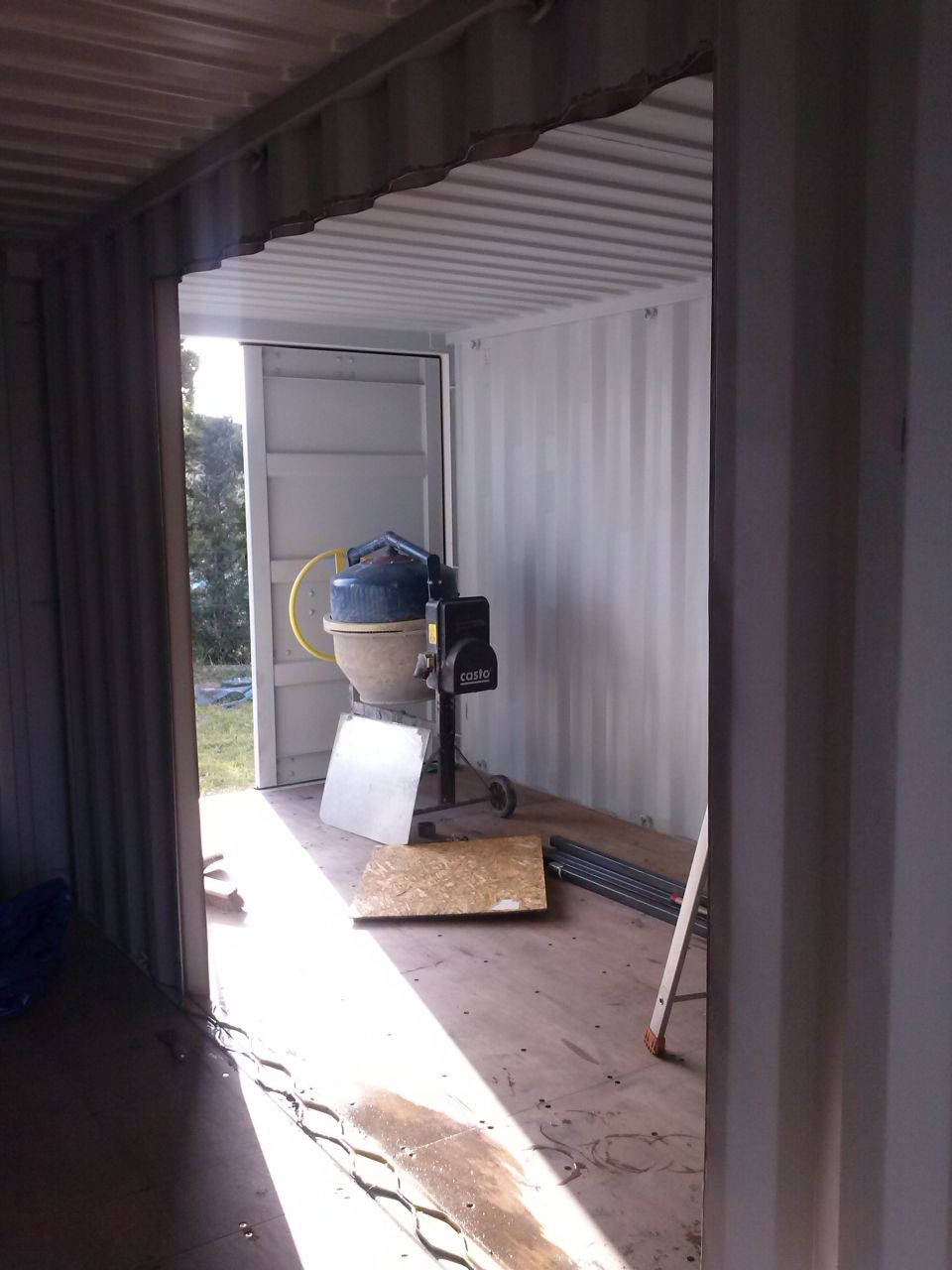 Découpe container