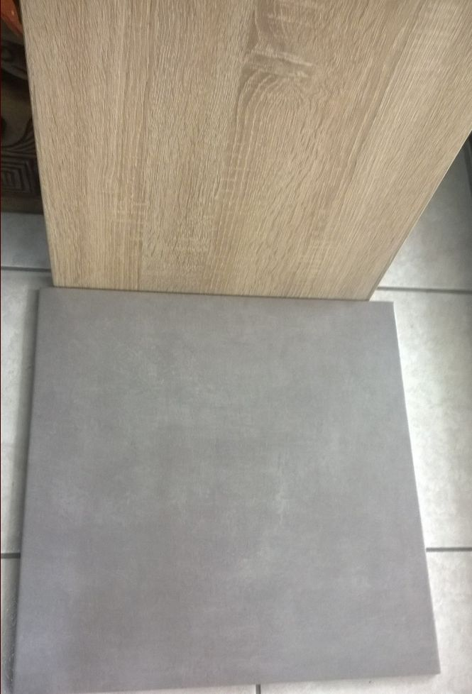 Carrelage et porte meuble de cuisine