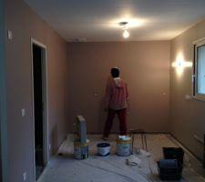 2 couches sur murs cuisine 1 couche au plafond