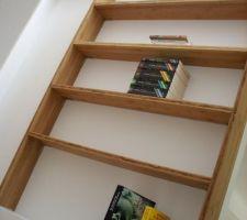 La mini bibliothèque en cours de montage