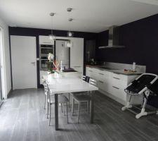 Photos et id es cuisine mur violet 439 photos Idee cuisine 13m2