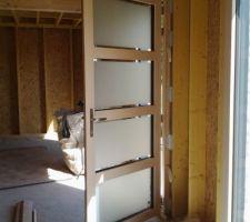 la porte d entree menuiserie mixte ossature pin finition panacotta exterieur habillage aluminieu ral 7016 ouverture 90cm