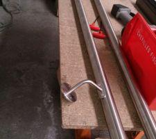 debut de la fabrication de la main courante de l escalier ca va claquer