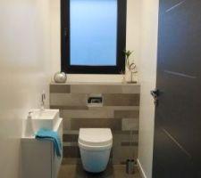 WC du bas - éclairage led