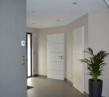 photos et id es entr e mur papier peint 175 photos. Black Bedroom Furniture Sets. Home Design Ideas