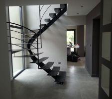 Escalier avec garde-corps