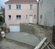 fin du beton pour la descente de garage yes