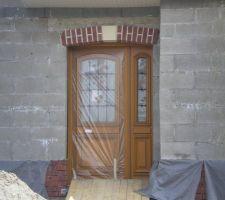 Porte d'entrée tierce à vitraux