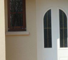 Enduit de la façade, vue de l'entrée (côté wc)