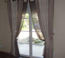 rideaux installes et de notre ancienne maison