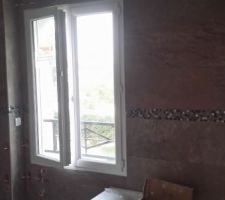 Salle de bains carrelée