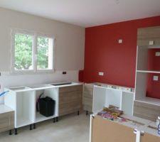 Cuisine en cours... Peinture: rouge brique et lin clair de Dulux Valentine Cuisine: Karrey chêne blanchi de Leroy-Merlin