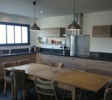 Vue général de notre cuisine schmidt bois et quartz