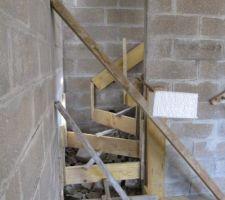 Coffrage escalier sous sol de face