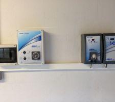 De gauche à droite: coffret elec, coffret piscine ,PH , électrolyseur