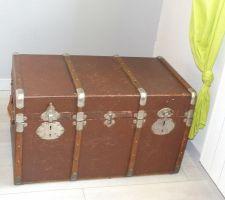 Malle de voyage des années 30 servant de coffre a jouets