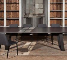 table de repas en ceramique pleine masse et pieds en acier huile 3m 1m10paralog de triss