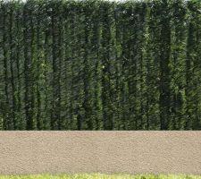 Mur Stepoc avec enduit sablé et Grillage rigide vert + Haie artificiel double couche ( Face Ouest )