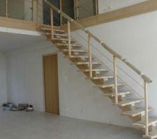 escalier et porte d entree de notre coin nuit