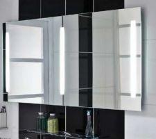 miroir de la salle de bain de la partie chambres