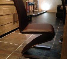 nouvelle table et nouvelle chaise