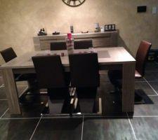 Nouvelle table et nouvelle chaise ?